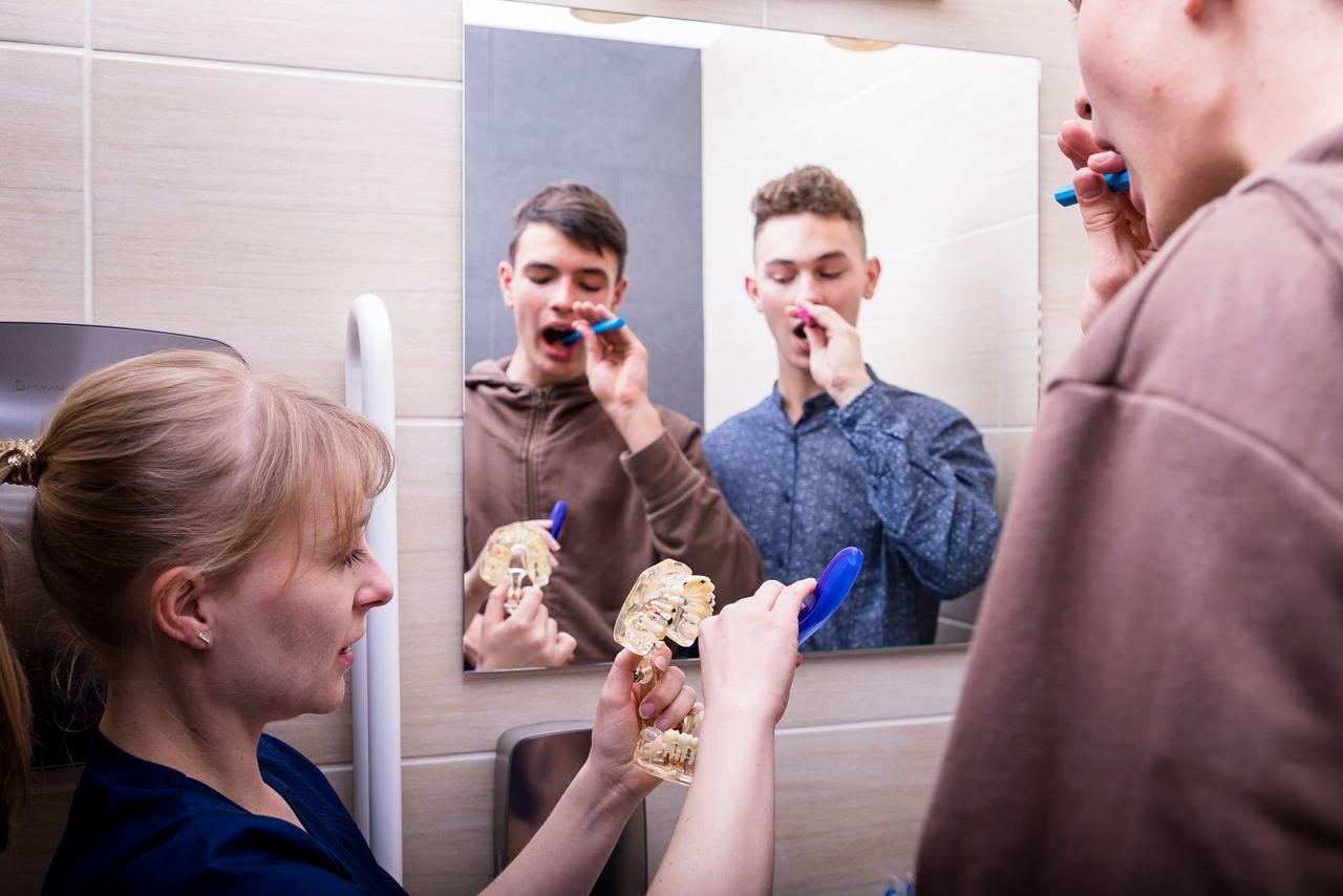 AN9A4518 Easy Resize.com Zadbaj o zdrowie swojej jamy ustnej w okresie epidemii Katarzyna Gliwa Stomatologia